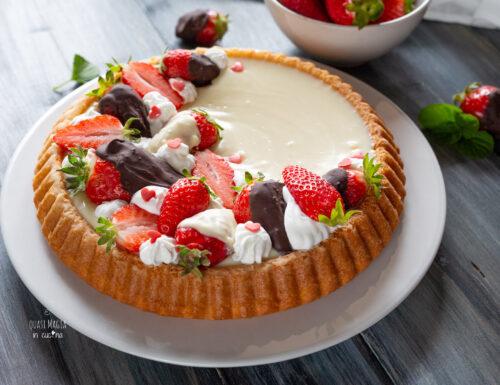 Crostata morbida cioccolato bianco e fragole