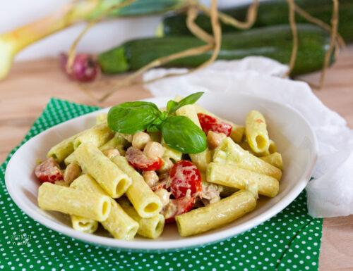 PASTA FREDDA con crema di zucchine basilico e philadelphia