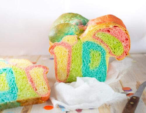pane colorato morbido, pan brioche arcobaleno
