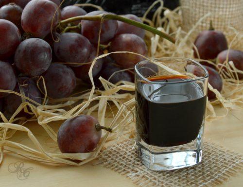 Liquore al vino rosso (Aglianico)