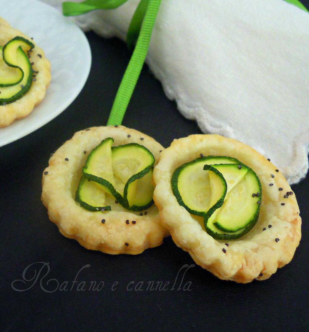 Sfogliatine gorgonzola e zucchine