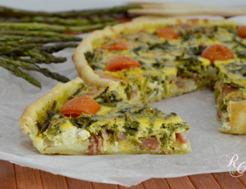 Torta salata con asparagi, ricotta e speck