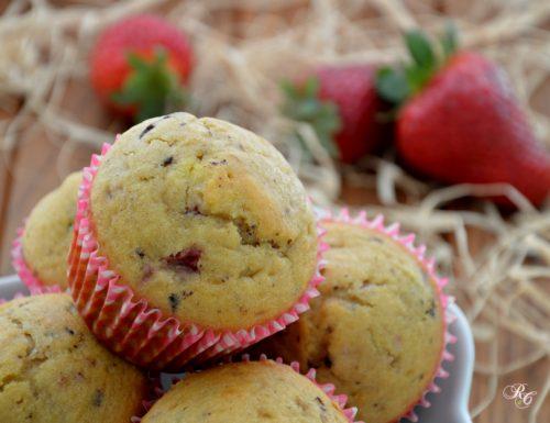 Muffins alle fragole e cioccolato