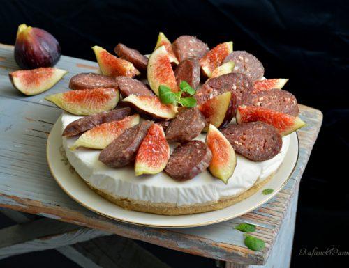 Cheesecake salata al caprino e fichi