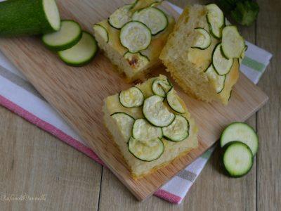 focaccia soffice con le zucchine