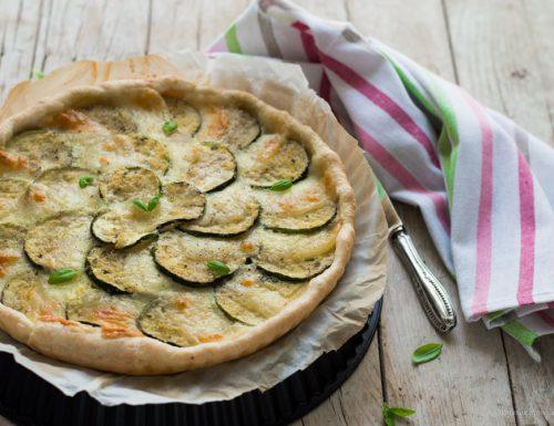 Torta salata con zucchine e scamorza