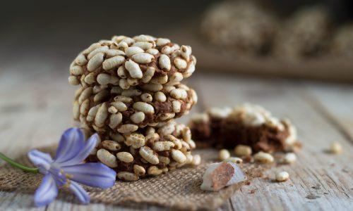 Biscotti al cocco e riso soffiato