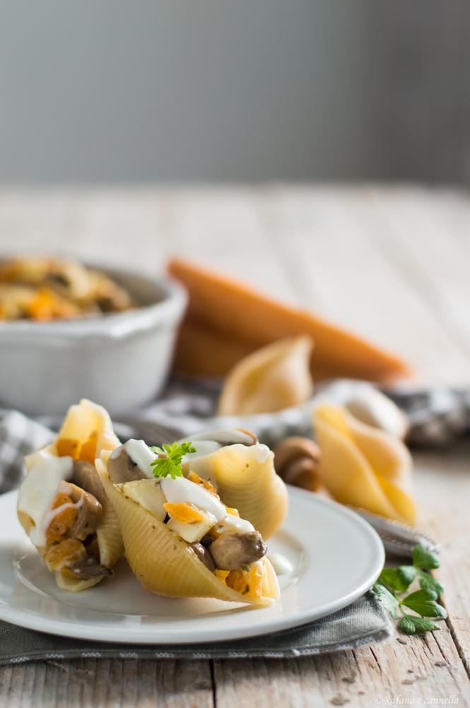 conchiglioni ripieni con funghi e zucca