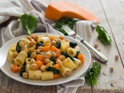 pasta con zucca, ceci e spinaci