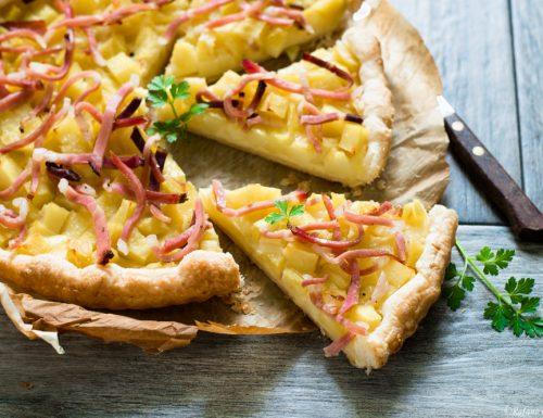 Sfogliata con patate formaggio e speck