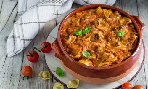 Tortellini al forno con ragù alla bolognese