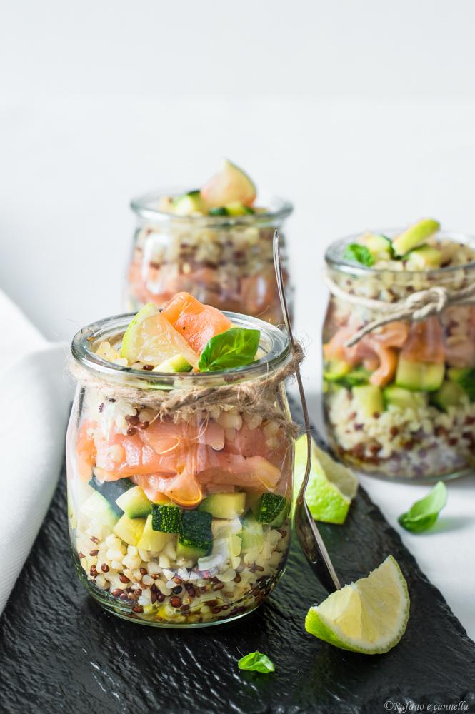 Bicchierini antipasto con zucchine e salmone
