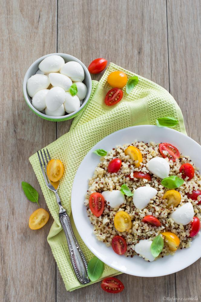 bulgur con quinoa, pomodorini e mozzarella