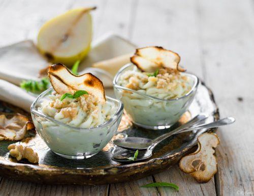 Mousse di gorgonzola con noci e pera