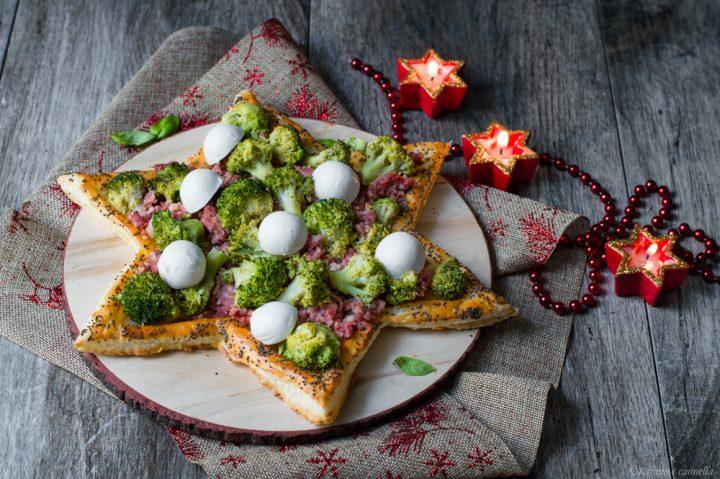 sfogliata natalizia con broccoli e salsiccia