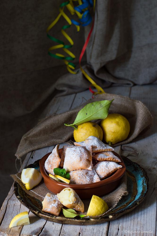 chiacchiere ripiene con crema al limone