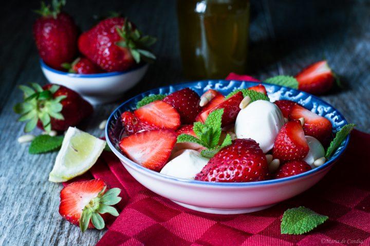 insalata di fragole e mozzarella