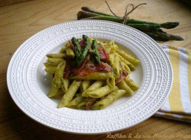 Penne alla crema di asparagi e speck
