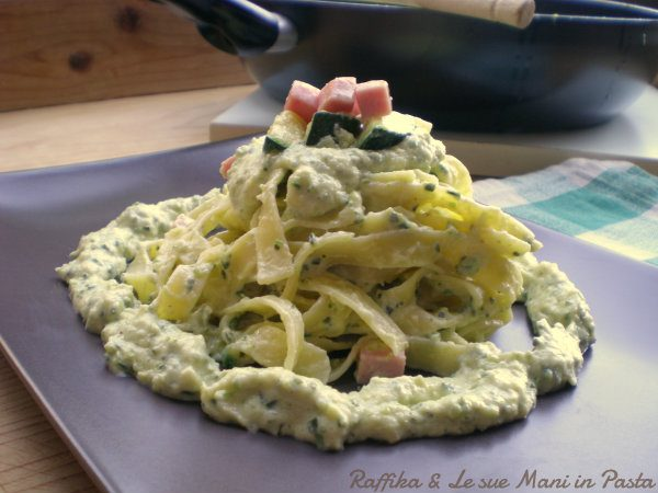 Tagliatelle alla crema di zucchine