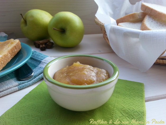 Confettura di mele e cannella
