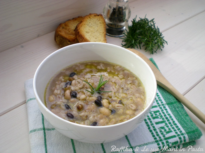 Zuppa di orzo e legumi