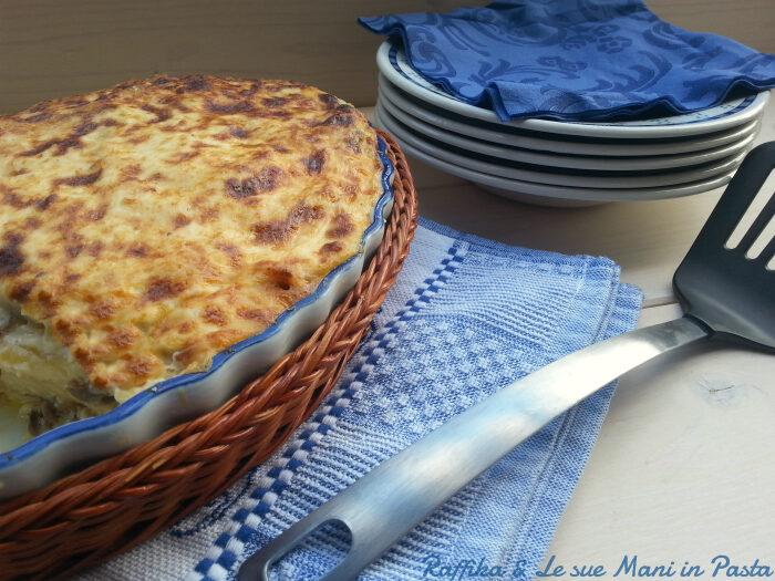 Pasta al forno funghi e salsiccia