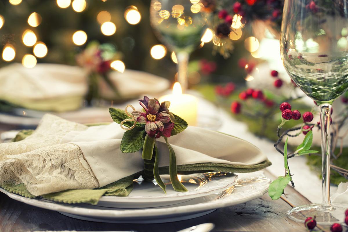 La tavola di natale raffika le sue mani in pasta - Decorazioni per la tavola di natale ...