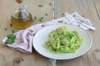 Pasta mista con crema di zucchine e piselli