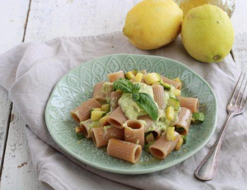 Mezze maniche con crema di zucchine e limone