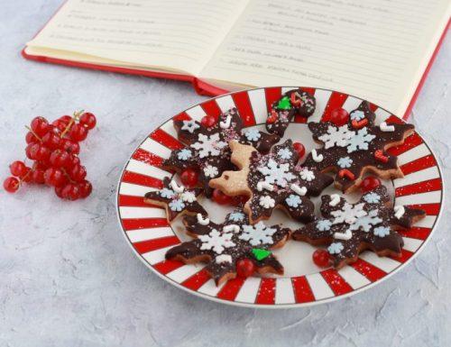 Biscotti con cannella, zenzero e cioccolato