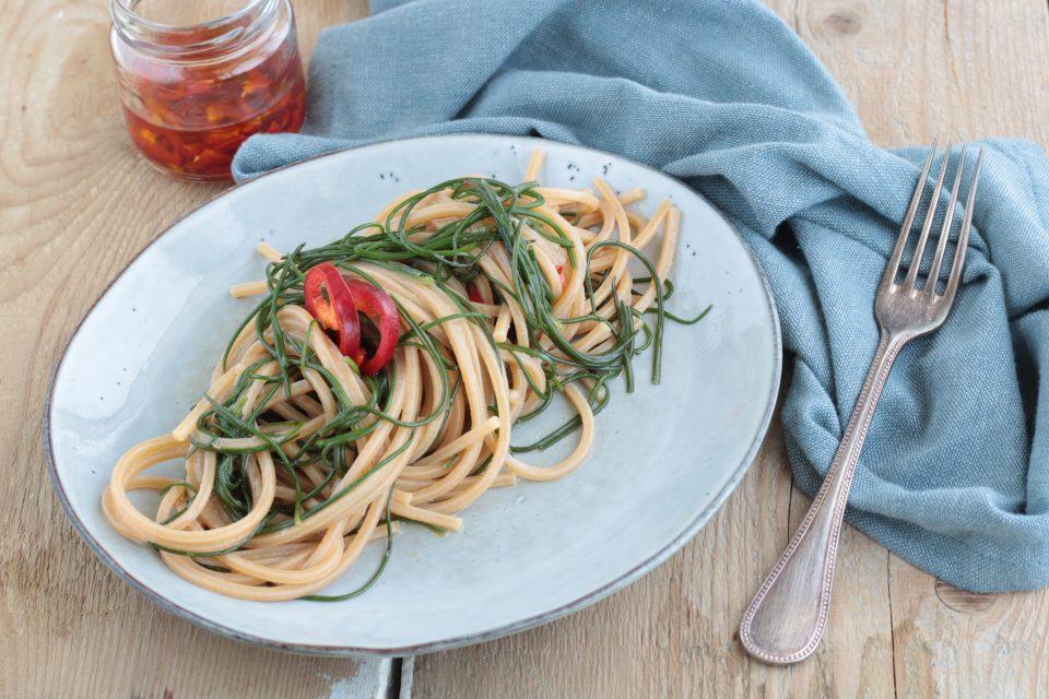 Spaghetti piccanti con agretti