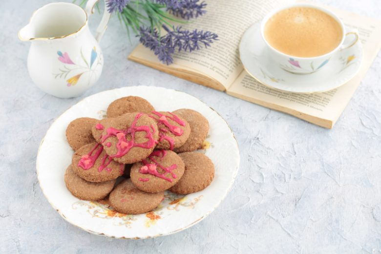 Biscotti con farina di avena e cacao amaro