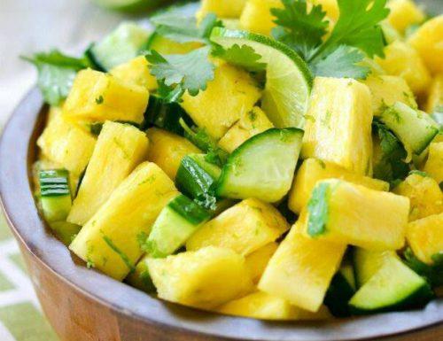 Insalata di ananas e cetrioli