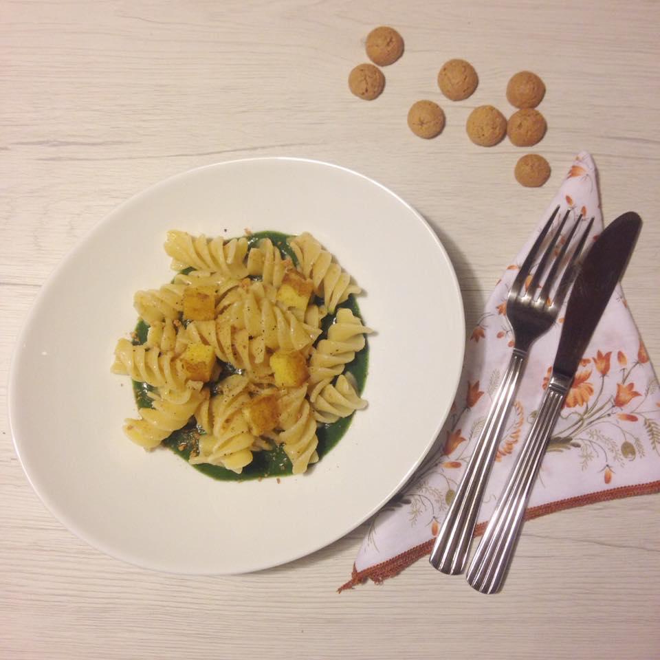 PASTA AL BURRO su crema di cavolo nero, crostini di polenta e amaretti