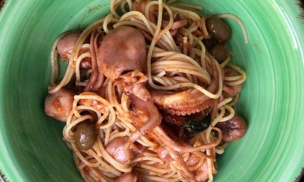 Spaghetti con il sugo di moscardini