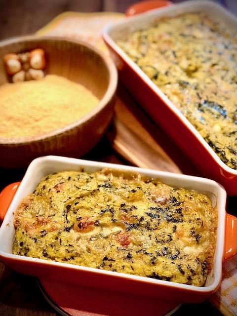 Polenta con cavolo nero e formaggi