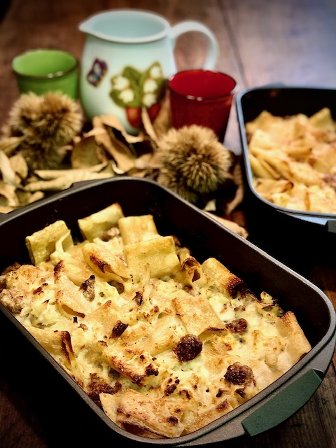 Pasta al forno con salsiccia e cavolfiore