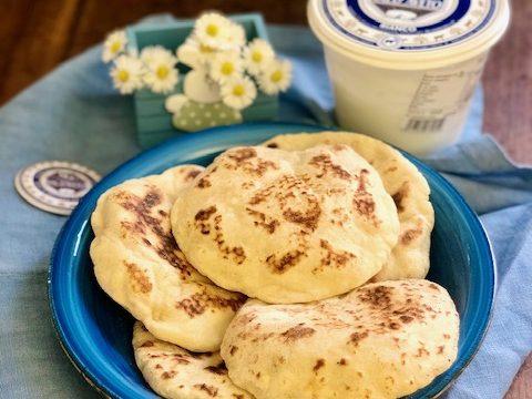 Pane Naan con lo yogurt