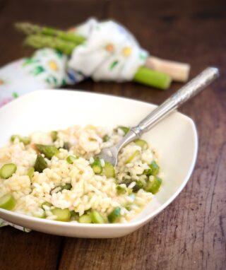 Risotto con asparagi e gamberetti