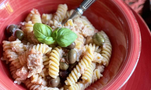 Pasta cremosa al tonno e olive
