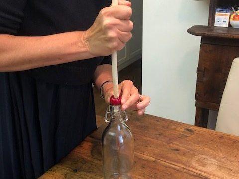 Come snocciolare le ciliegie (metodo furbo)