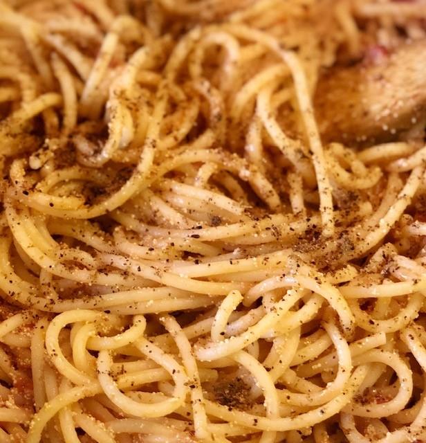 Spaghettoni con sughetto di uova di pesce