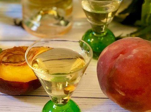 Perseghin – liquore ligure alle foglie di pesco