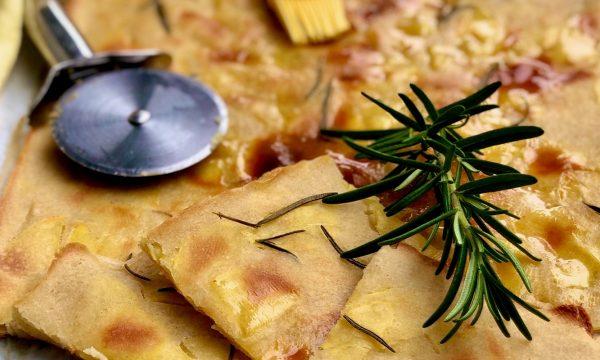 Schiacciata di patate al rosmarino