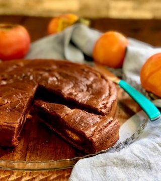 Torta di cachi, amaretti e cacao