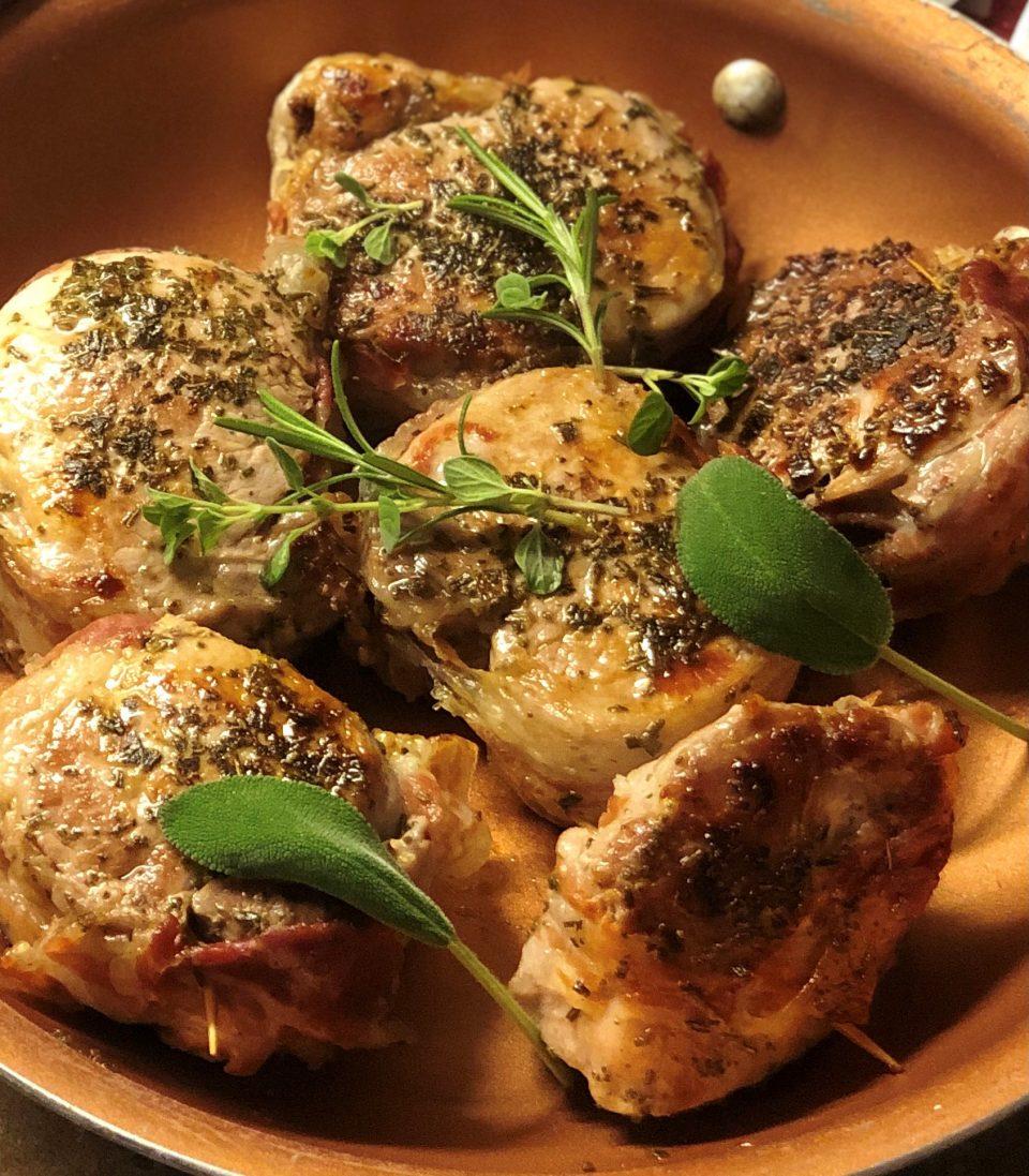 Filetto di maiale in padella con erbe aromatiche