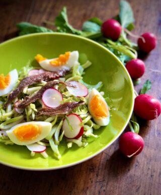 Puntarelle e uova in insalata