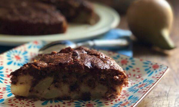 Torta cremosa alle pere e cioccolato