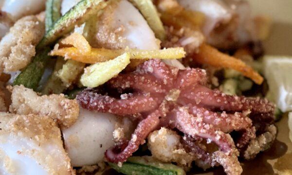 Frittura di calamaretti e verdurine
