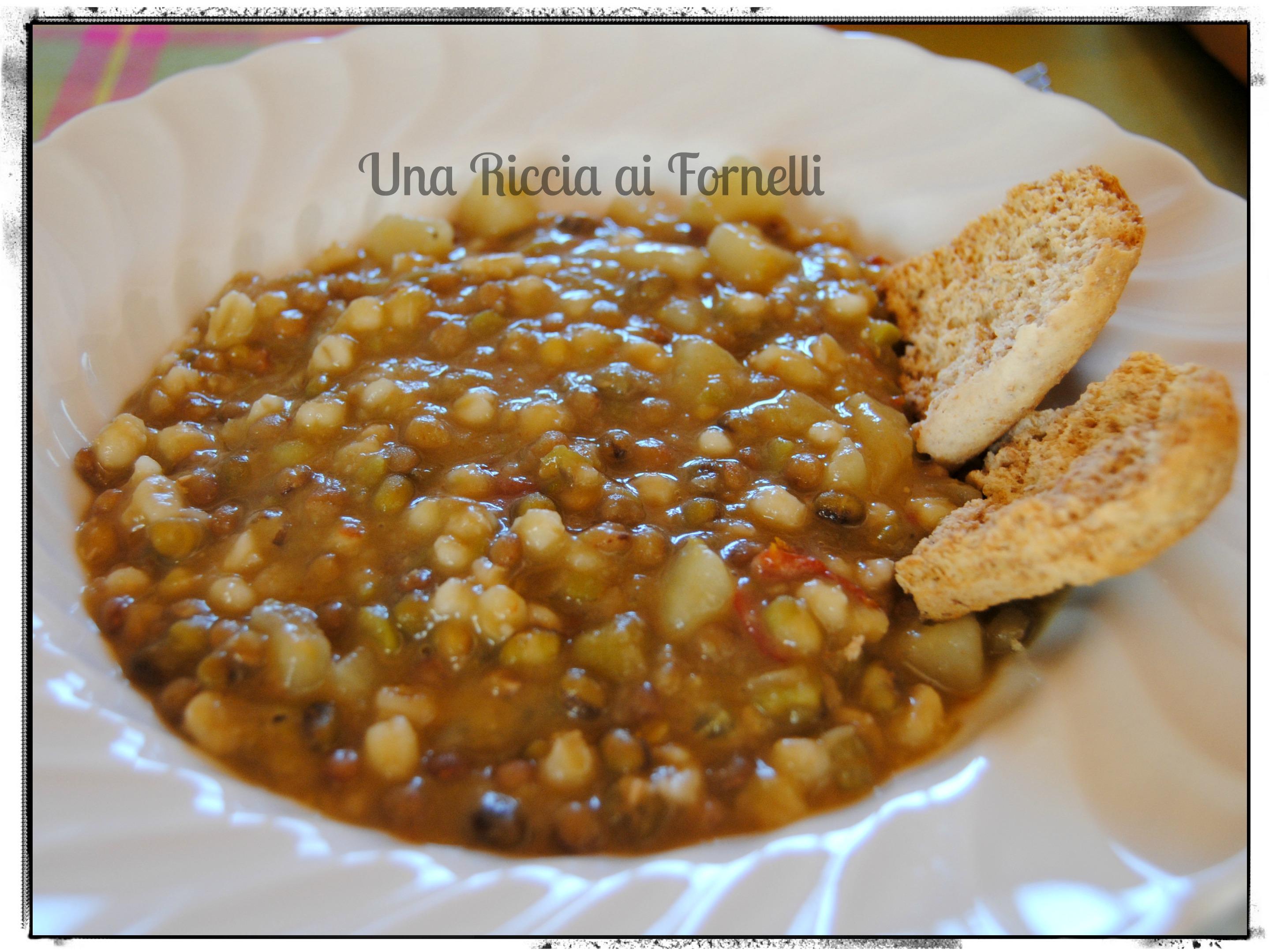 Ricetta Zuppa Legumi Secchi.Zuppa Di Legumi E Cereali Ricetta Zuppa Con E Senza Pentola A Pressione